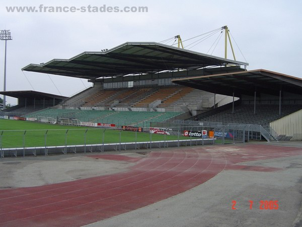Stade Francis Le Basser (Laval)