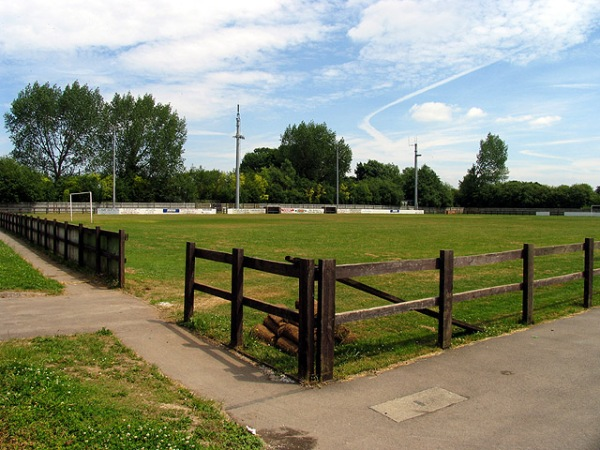 Waterside Park (Thatcham, Berkshire)